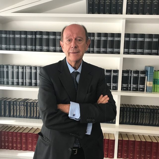 Tomás Sala Franco, Director de Formación de Abdón Pedrajas & Molero, galardonado con el Premio ASNALA-Santander Justicia al Mejor Laboralista .